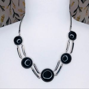 WHBM statement necklace silver/black